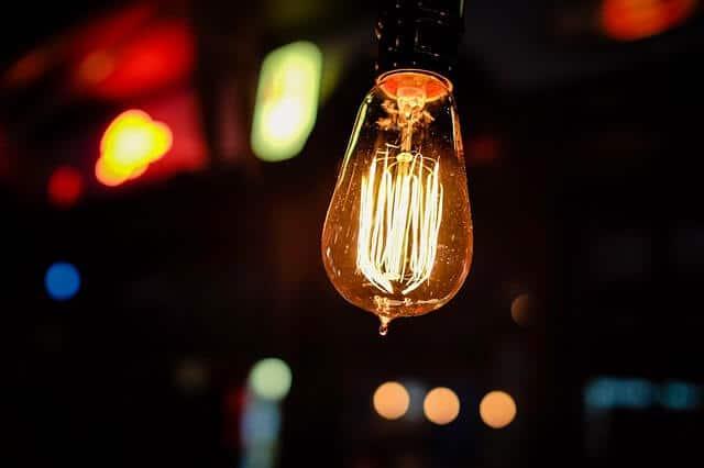 Glühbirnen stehen endgültig vor dem aus – auf welche Alternativen man jetzt setzen sollte