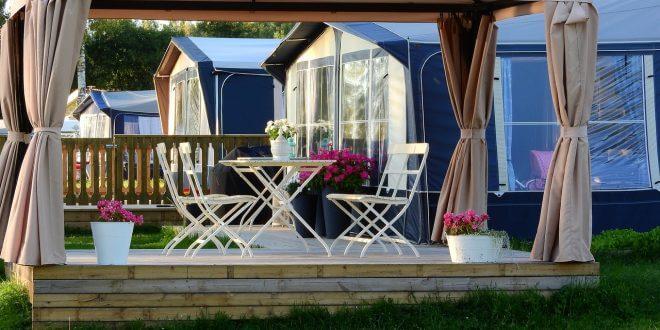 Das Outdoor-Wohnzimmer: Tipps zu Mobiliar und Accessoires