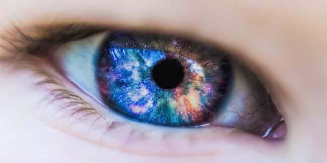 Kontaktlinsen: Die richtige Pflege für perfektes Sehen