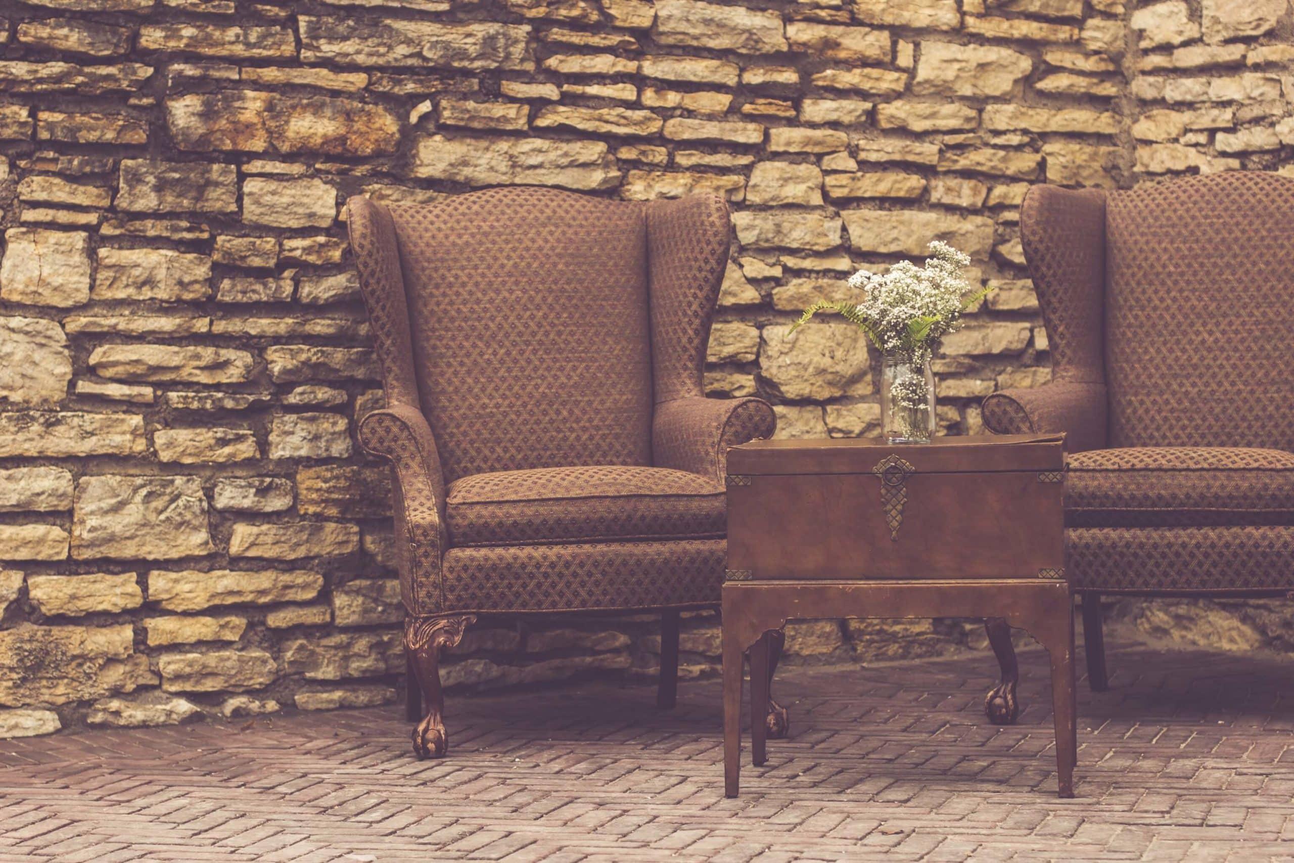 Antike Möbel aus Massivholz: Edel und zeitlos › Ratgeber DeLuXe!
