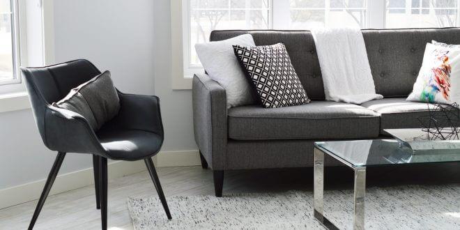 Wohnräume mit minimalistisch designten Möbeln modernisieren