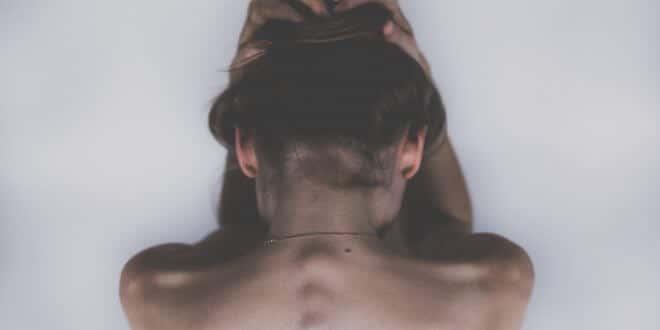 Ständig Kopfschmerzen: Arten, Symptome und Behandlung