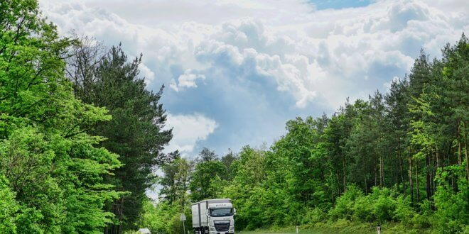 Die Fahrerkarte eines Berufskraftfahrers – welche Infos werden gespeichert?